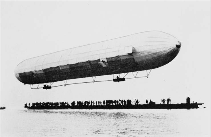 Picture of First Zeppelin flight at Lake Constance