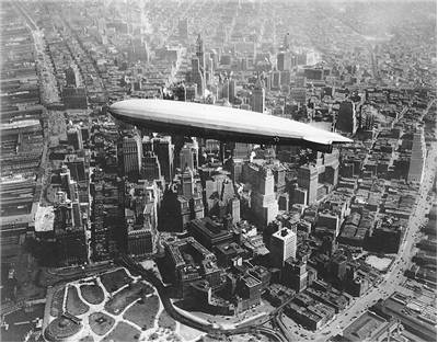 Picture of ZR 3  USS Los Angele Airship over Manhattan